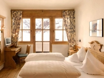 salon-villa-design-chalet-style