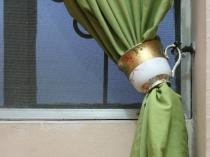 Use-Teacups-As-Curtain-Tiebacks-Intro
