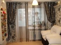 Foto-36-Legkie-shtory-v-gostinnuju-dlja-balkonnoj-dveri
