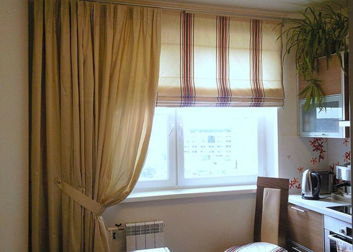 Для оформления одного окна могут использоваться сразу два вида карнизов