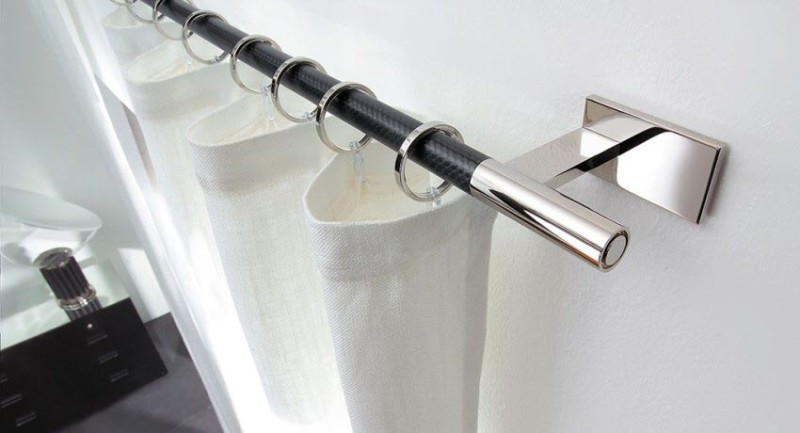 Настенный металлический карниз без украшений, надежней чем струна и подходит по любой интерьер