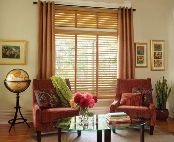Жалюзи для чистки и стирки снимаются гораздо реже, чем традиционные тканевые шторы