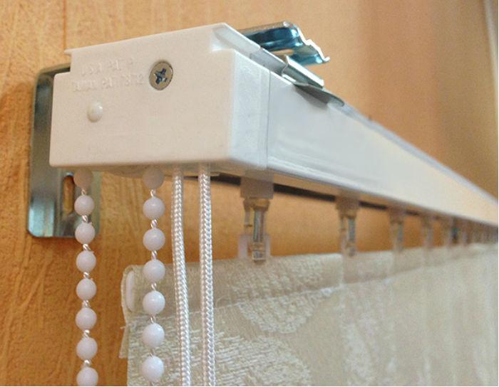 Материал для ламелей можно выбрать любой, в том числе ленты и стекловолокно