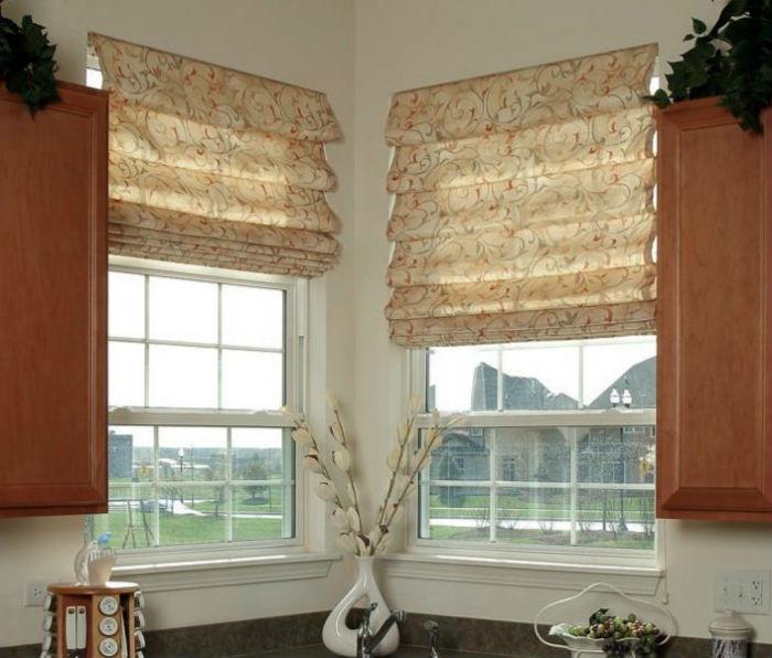 Выбор ткани для римских штор зависит от функционала помещения, они могут быть полупрозрачными или, наоборот, очень плотными