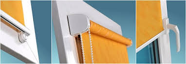 Рулонные шторы очень просты в установке