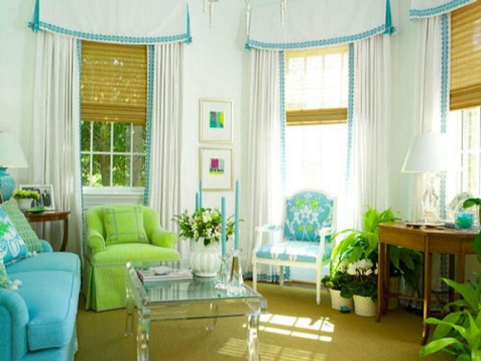Римские шторы хорошо сочетаются с портьерами