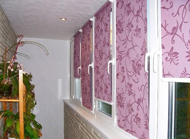 Рулонные шторы с системой MINI фиксируются на оконной раме или створке