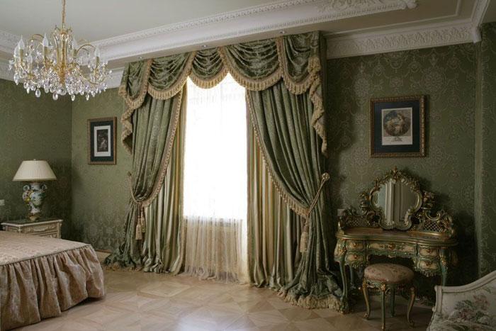 Ламбрекены – непременный атрибут классического интерьера