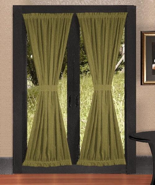 Занавески можно использовать вместо дверей или же в качестве декора, как на фото