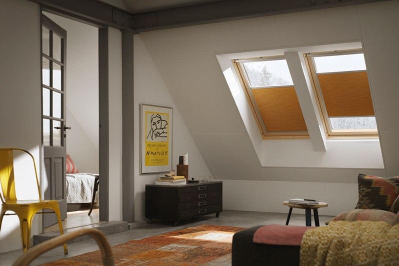 Рулонные шторы очень практичны и удобны в использовании