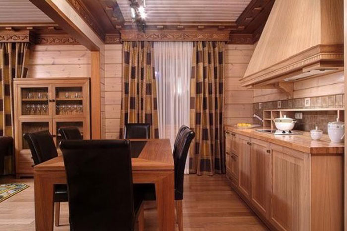 Что может быть проще и уютнее, чем классические портьеры? Подходят и в спальню, и в кухню, и в гостиную
