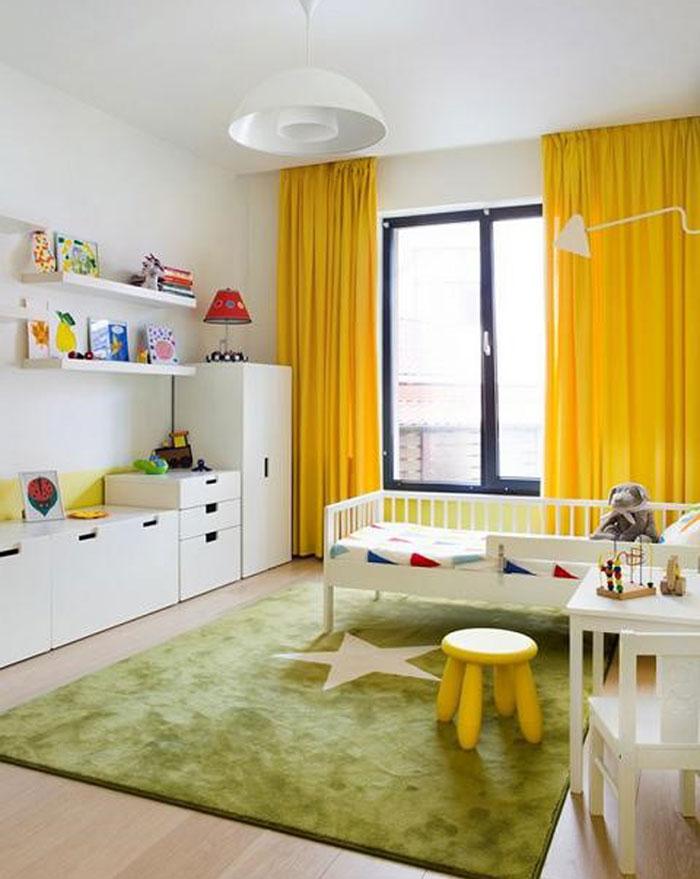 Жёлтые цвета правильней всего сочетать с зелёными, белыми и синими оттенками
