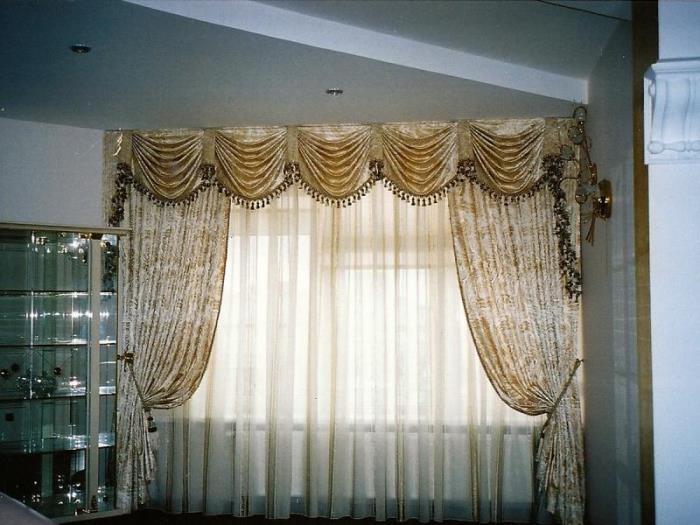 На фото – пример классических штор
